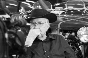У США помер творець спорткарів Керролл Шелбі