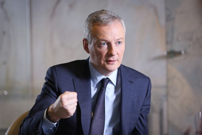 Министр экономики Франции Бруно Ле Мэр отказывается от многих китайских инвестиционных проектов, предпочитая долгосрочные инвестиции, а не 'инвестиционное мародёрство', 2018 г.