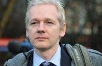 Ассанж відмовився залишити посольство Еквадору на вимогу британської поліції
