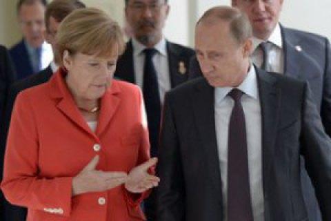 """Меркель обсудила с Путиным Минские договоренности, транзит газа и """"Северный поток-2"""""""