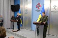 Полторак обсудил с министром обороны Швеции введение миротворцев на Донбасс