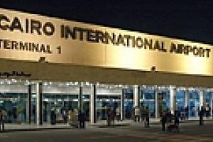 В аэропорту Каира царит хаос из-за новых мер противодействия свиному гриппу