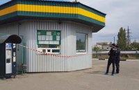 У Миколаєві на заправці знайшли застреленими трьох людей