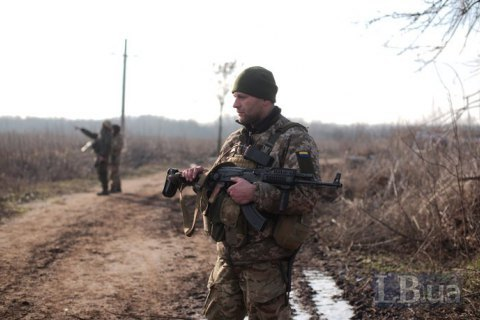 За сутки оккупанты четыре раза открывали огонь на Донбассе