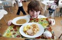 Перше, друге і компот. Як у Києві осучаснюють шкільне харчування