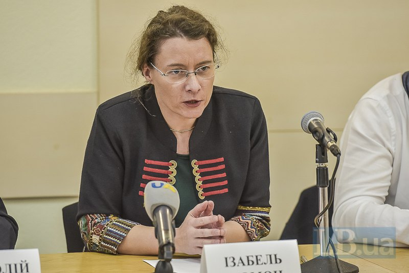 Изабель Дюмон