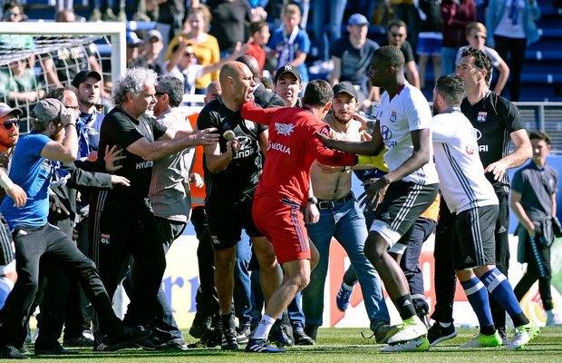 Фанати «Бастії» остаточно зірвали матч французького чемпіонату