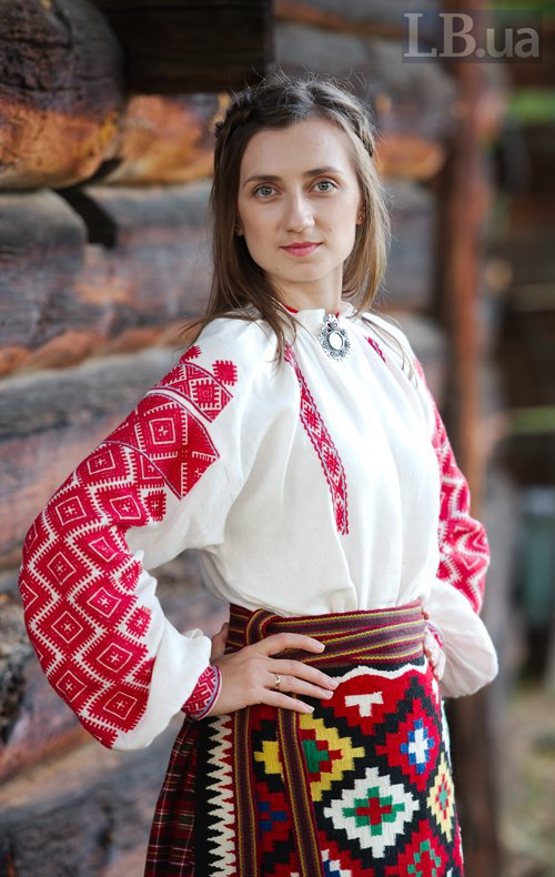 Журналістка відділу Політика Вікторія Матола – у костюмі із дукачем