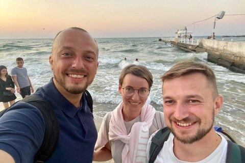 Двух украинских журналистов, задержанных в Минске накануне, отпустили