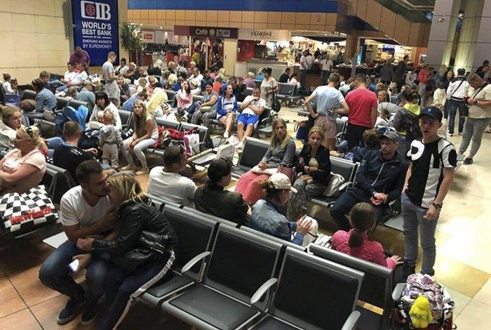 В аэропорту Шарм-эль-Шейха более суток находились около 200 украинцев