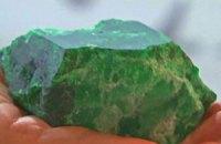 В Колумбии показали изумруд в 15 тыс. карат