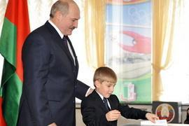 Лукашенко снова стал президентом