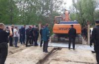 В Киеве земснаряд задержали за незаконную добычу песка