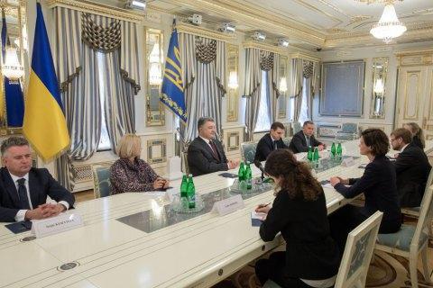 """Порошенко и лидер Умеренной партии Швеции скоординировали усилия по противодействию строительству """"Северного потока-2"""""""