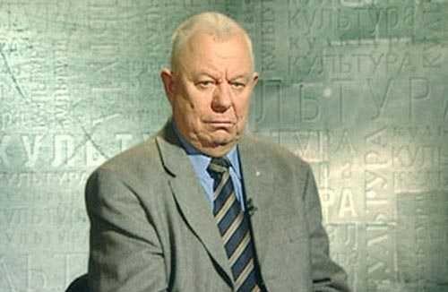 Анатолий Приставкин возглавлял Комиссию по помилованию при Президенте РФ с 1992 по 2001 год