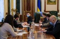 В Україні знову почалося повільне зростання захворюваності на ковід