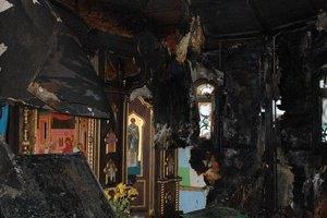 В Киеве пытались сжечь незаконную часовню на Десятинке