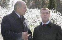 Медведев порекомендовал Лукашенко быть осторожнее в высказываниях