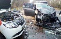 В результате лобового столкновения в Житомирской области два человека погибли, четверо травмированы