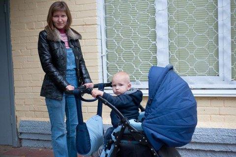 Суд обязал Киевсовет обустроить площадки для детских колясок у амбулаторий