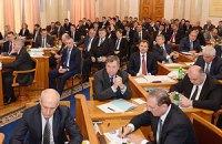 Азаров перенес заседание Кабмина