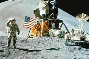 Помер американський астронавт Ніл Армстронг