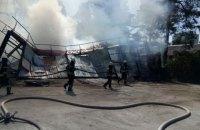 На лівому березі Києва сталася сильна пожежа в промзоні