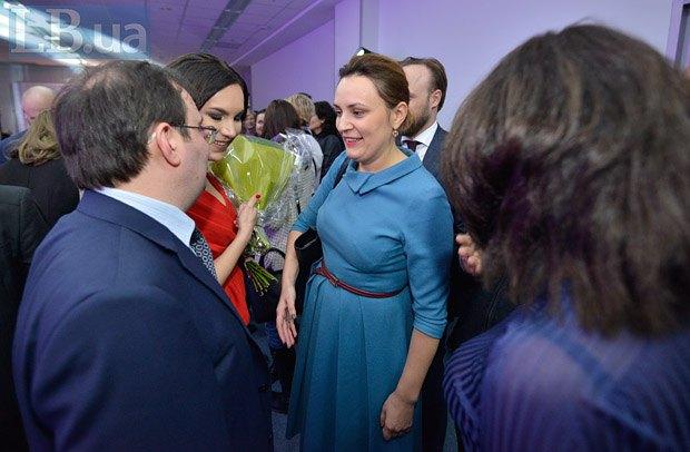 Экс-замминистра экономики Юлия Ковалив (в центре)