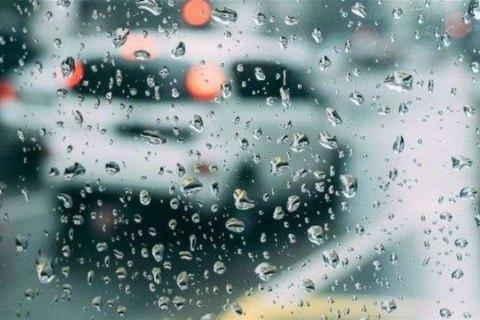 Завтра дожди на севере и в части западных областей Украины