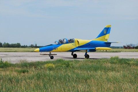 В Хмельницкой области разбился военный самолет, погибли два пилота (обновлено)