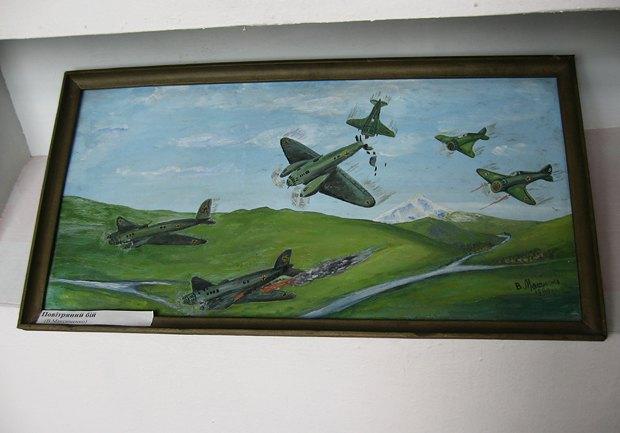 «Воздушный бой», картина местного художника-аматора