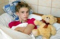 Суд призначив перевірку у справі дівчат, які спостерігали за побиттям Саші Попової