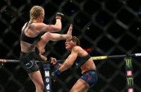 Шевченко с одного удара отправила в глубокий нокаут соперницу на турнире UFC 238 в США