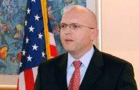 Госдеп США сообщил о визите помощника госсекретаря США Рикера в Украину