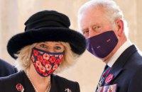 Принц Чарльз із дружиною отримали першу дозу COVID-вакцини