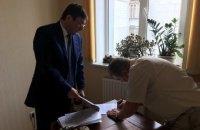 Луценко лично вручил уведомление о подозрении судье ВХСУ Швецу