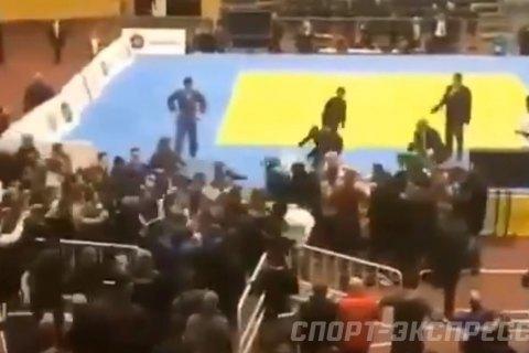 В России на турнире по дзюдо произошла массовая драка