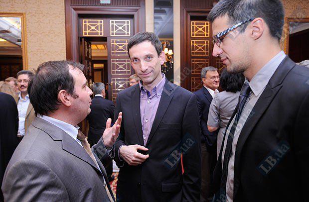 Олег Базар, Виталий Портников (в центре) и Александр Голубов