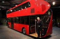 Мэр Лондона представил новые двухэтажные автобусы