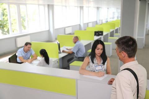 У Києві відкрили перший сервісний центр МВС (оновлено)