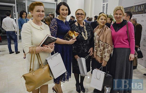 Слева направо: Оксана Продан, нардеп от БПП, Соня Кошкина, Александра Кужель, Марина Сорока и Татьяна Золотарева, пресс-служба ВО<<Батькивщина>>