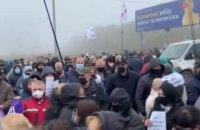 На Львівщині ФОПи на знак протесту перекривали рух на міжнародних трасах