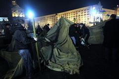 Волынец и Парубий - дежурные по Майдану на эту ночь