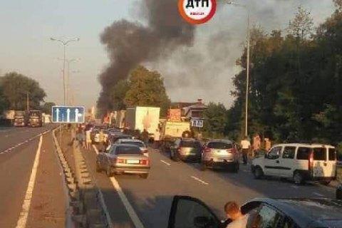 На Житомирській трасі в ДТП з фурою загинули двоє людей (оновлено)