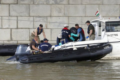 Рятувальники знайшли нових загиблих у результаті аварії катера в Будапешті