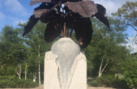 В Николаевской области поставили памятник сахарной свекле вместо Ленина