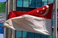 В Сингапуре двух немцев приговорили к 9 месяцам тюрьмы и избиению палками