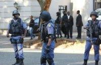 В ЮАР боевики атаковали полицейский участок: 6 убитых