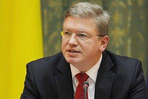 Фюле призвал Россию отвести свои войска от границы с Украиной