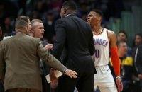 В матче чемпионата НБА между командами произошла массовая потасовка